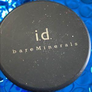 bareMinerals Makeup - BareMinerals foundation medium 3 new .06 oz